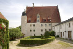 Hotel Schloss Eggersberg - Palace in Riedenburg - Wedding