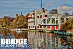 BRIDGE Studios Berlin - Fotostudio in Berlin - Ausstellung