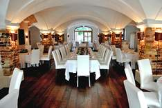 Bernhard´s feat. Schloss Urfahrn - Wedding venue in Oberaudorf - Wedding