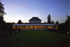 Café Botanischer Garten - Wedding venue in Munich - Work party
