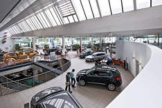 VW Showroom Düsseldorf - Edificio industriale in Düsseldorf - Mostra