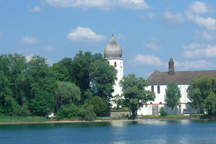 Chiemgau with eventlocation, wedding reception and meeting room on the Fraueninsel in the Chiemsee