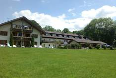 Landhotel Huber am See - Wedding venue in Münsing - Wedding