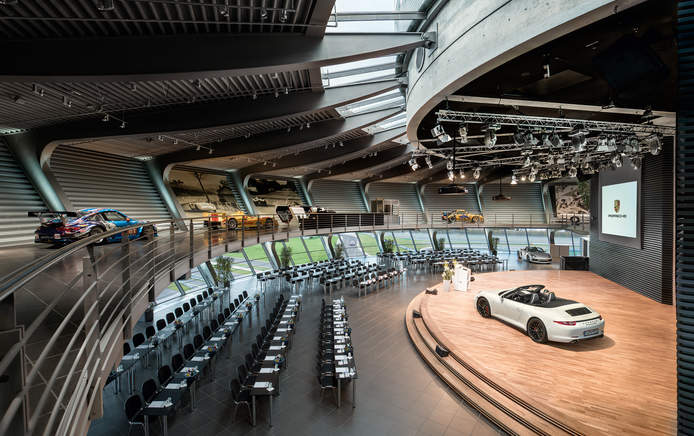 Porsche Auditorium with parliamentary seating